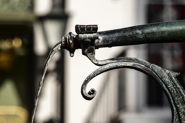 Comment savoir quelle pompe à eau est la plus adaptée à l'aide de calculs ?